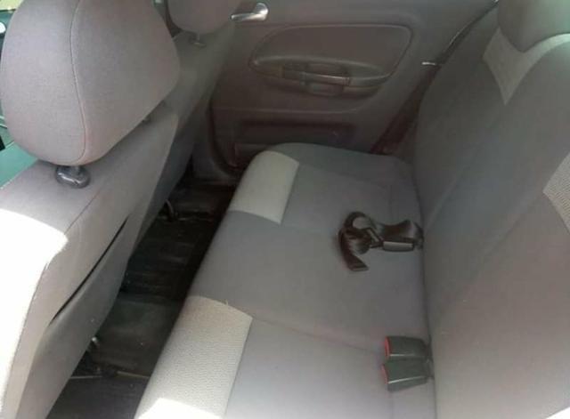 Troco voyage em carro financiado mais novo - Foto 5