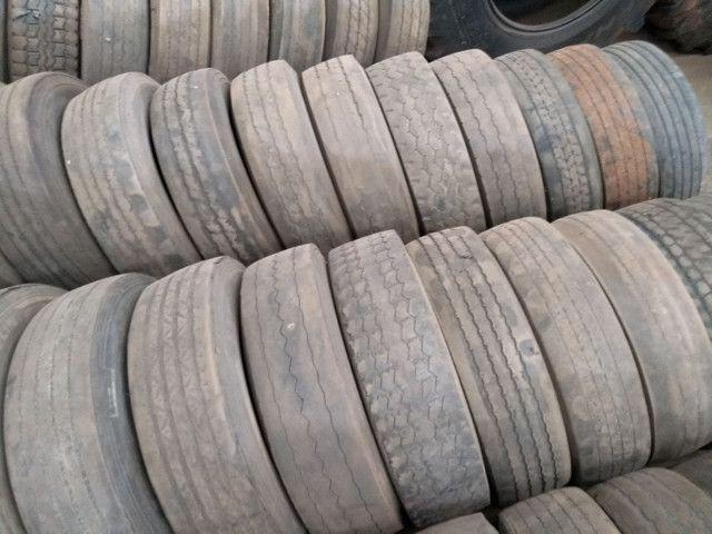 Lote de pneus usados 295 e 275 - Foto 6