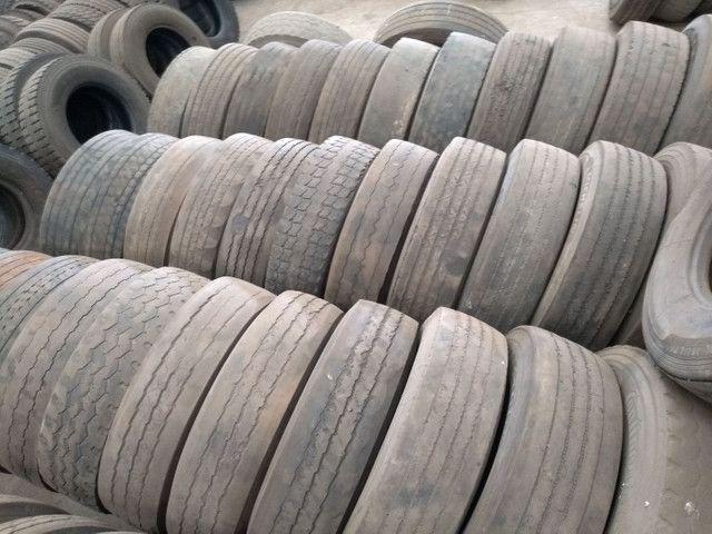Lote de pneus usados 295 e 275 - Foto 8
