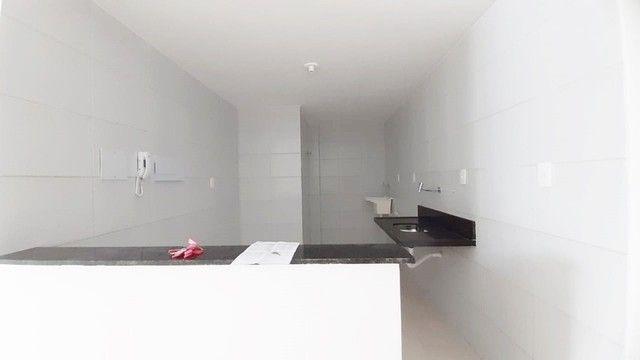 Apto c/ 03 quartos c/ elevador e área de lazer próximo à Unipê - Foto 8