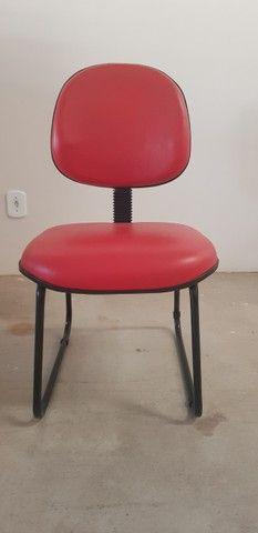 13 Cadeiras Escritorio Vermelhas - Seminovo