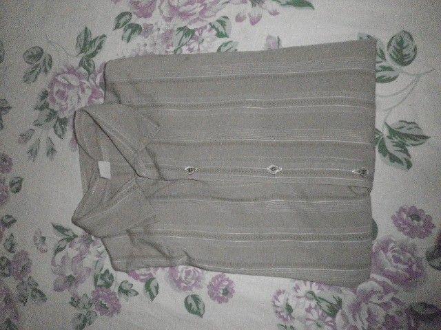 Camisa masculina, manga 3/4, em tecido leve - M - Foto 6