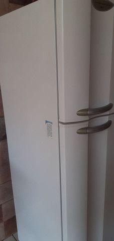 geladeira air flow system dc 45 Electrolux             1200 reais aceito propostas - Foto 4