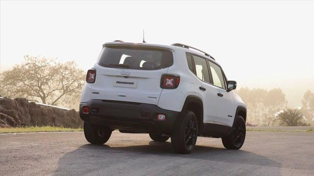 Jeep Renegade 2.0 16v Turbo Moab 4x4 - Foto 3