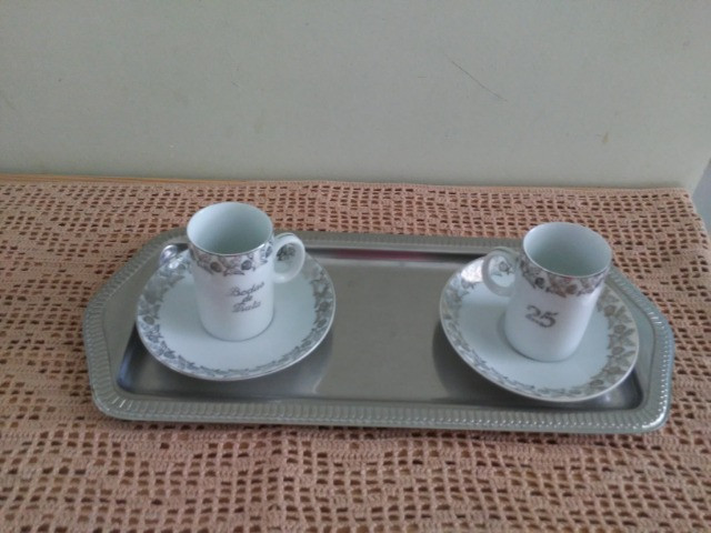 """Conjunto de xícaras para """"Bodas de Prata"""""""