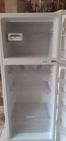 geladeira air flow system dc 45 Electrolux             1200 reais aceito propostas - Foto 6