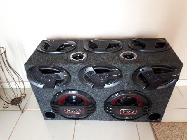 Caixa com Subs JBL 800 rms e 6x9 Pionner