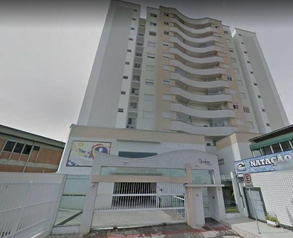 Apto no Roçado em São José, 02 dorm sendo 01 suíte ampla garagem, mobiliado e decorado