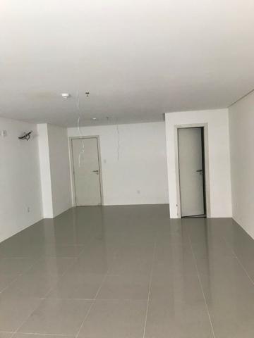 Sala Comercial 45m² com piso e teto prontos - 203 Offices - Farol - Foto 3