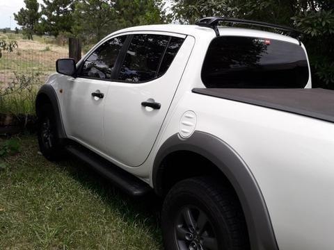 Mitsubishil200 triton