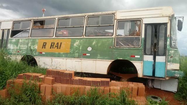 Carcaça de ônibus - Foto 3