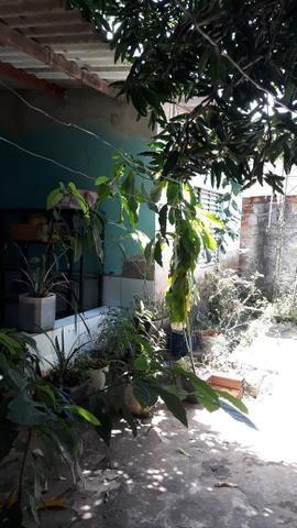 JD GUANABARA 1, casa com barracão na rua Anápolis - Foto 5