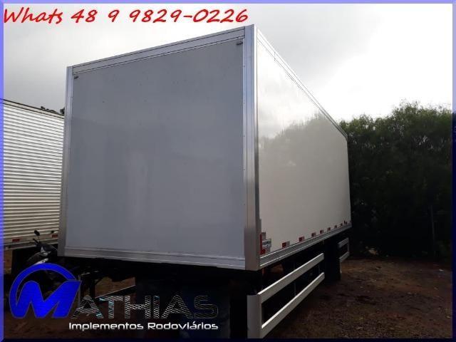 Baú frigorífico para caminhão toco seminovo paleteiro Mathias implementos - Foto 3