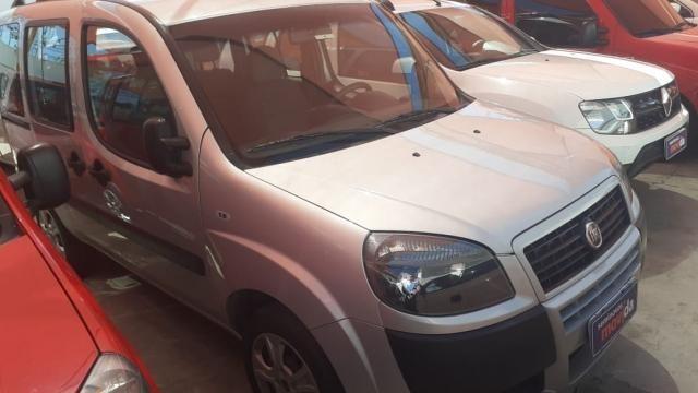 Fiat Doblò 1.8 Essence 7L (Flex) - Foto 2
