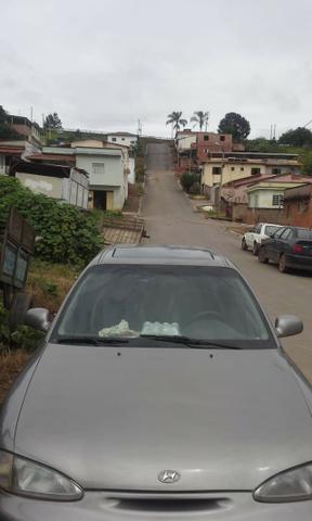 Vendo ou troco carro possui 800 reais de doc - Foto 3