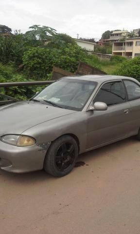 Vendo ou troco carro possui 800 reais de doc