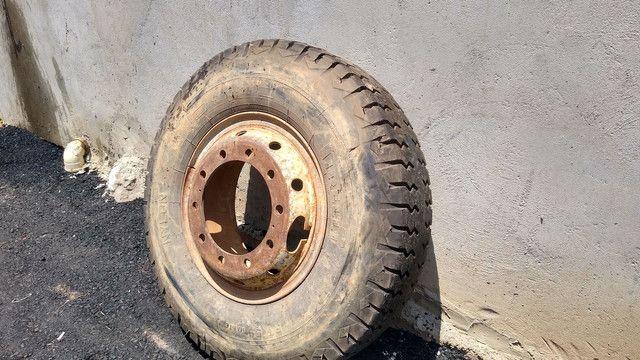 Pneus para caminhão Mercedes Ford Volks caçamba - Foto 2