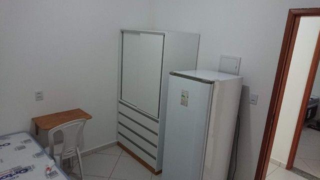 Alugam-se quartos e suítes mobiliadas na pedreira - Foto 2