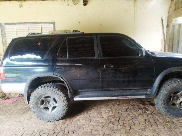 Toyota HIllux sw4 gasolina 4x4  - Foto 2