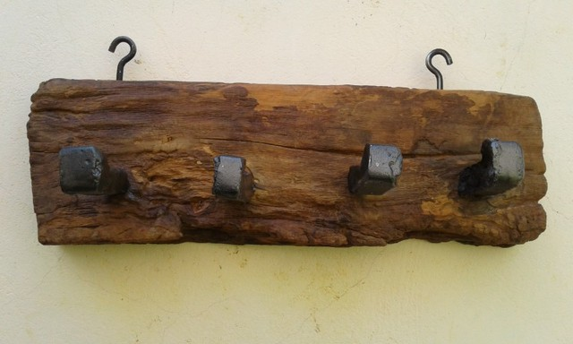 Pendurador de madeira maciça antiga, de peroba rosa - Foto 4
