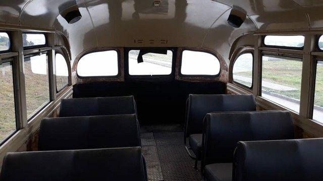 Ônibus antigo Jardineira Chevrolet 1957 - Foto 5