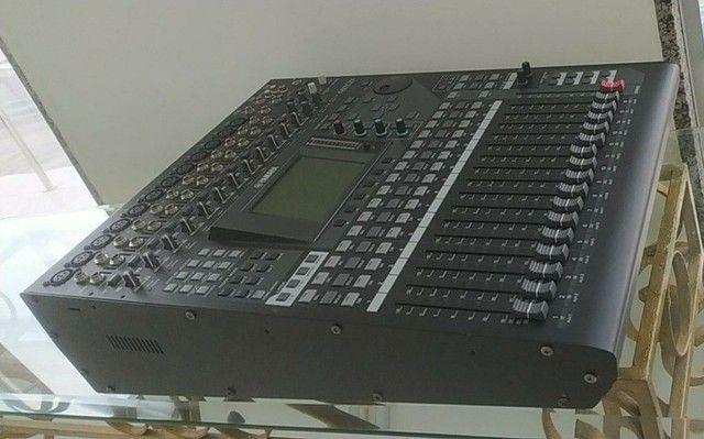 Mesa de som digital 01V96i 20 canais - Foto 2