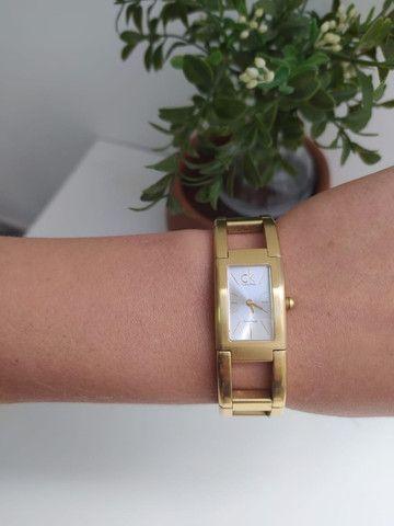 Relógio Calvin Klein Feminino Dourado - Foto 3