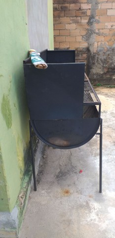 Churrasqueira a carvão  - Foto 2