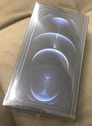 Iphone 12 PRO Novo, lacrado na caixa, nota fiscal - Foto 3