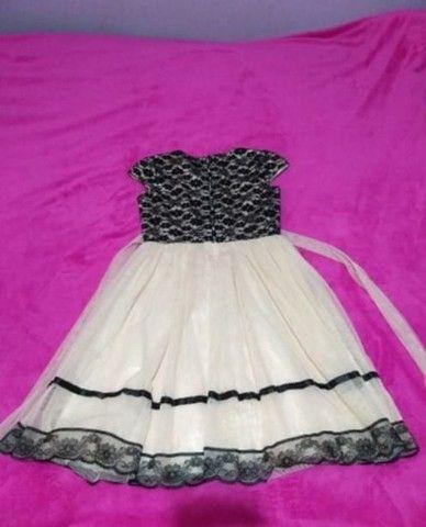 Vestido  tamanho 12/Marca Carinhoso - Foto 2