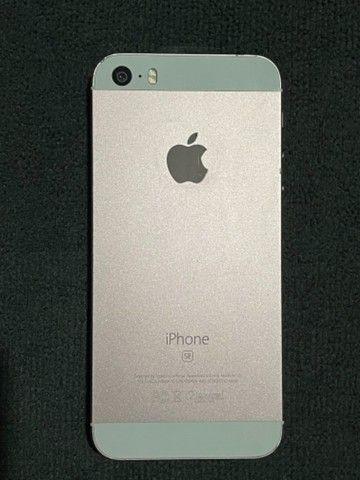 iPhone SE + iPhone 5s
