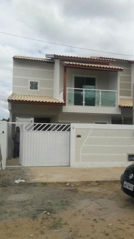 Linda casa nova no Veredas, pronta para morar. 02 suítes, excelente acabamento. Financia!