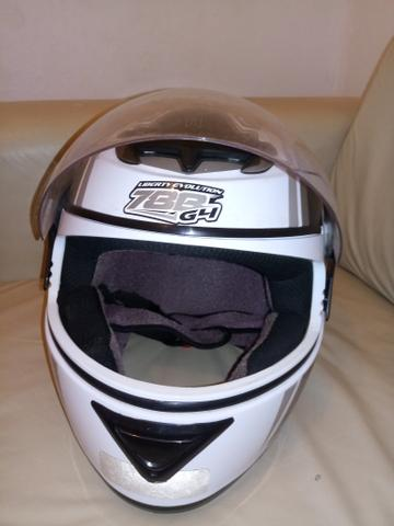 Vendo capacete semi-novo