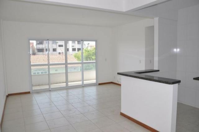 Apto c/ 3 qts/suíte, sala, cozinha, prédio c/ elevador, a 600 metros da praia. - Foto 10