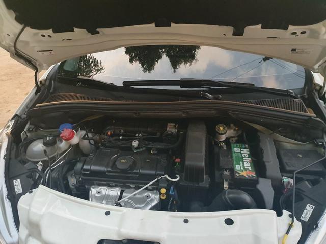 Peugeot 208 - Foto 13