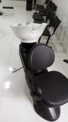Lavatório profissional cabeleireiro luxuoso moderno com cuba em louça Rodrigo Cintra