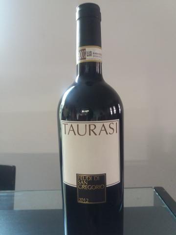 Vinho taurasi docg - itália