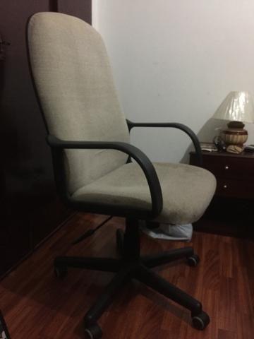 Conjunto de 3 cadeiras de escritório ou consultório