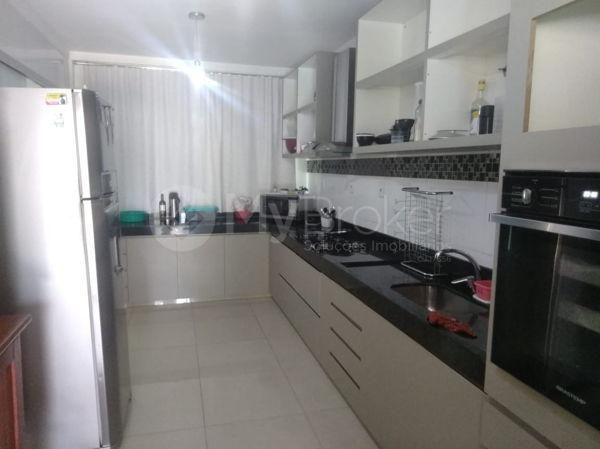 Casa sobrado com 5 quartos na Vila Santa Helena em Goiânia - Foto 15