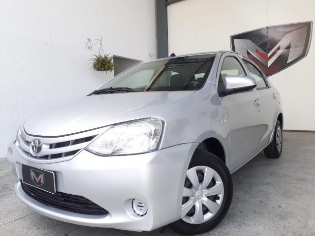 Toyota Etios 1.5 XS 16V Flex Automático 2016/2017 Prata