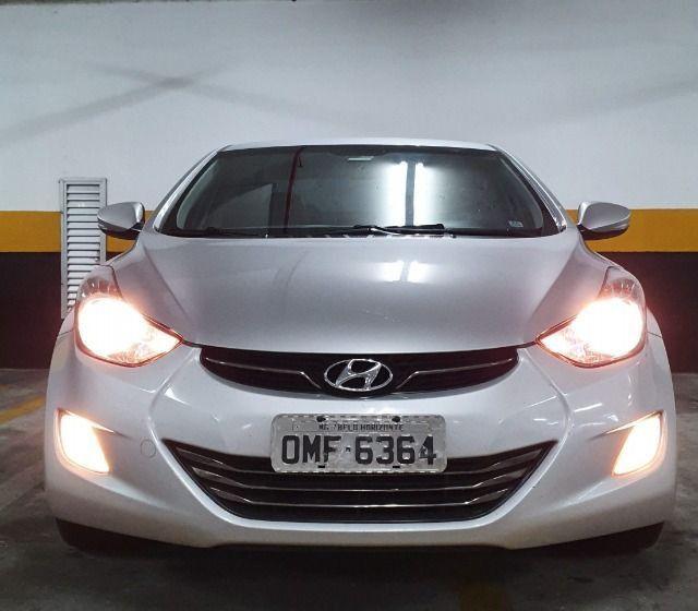 Hyundai Elantra 2013 muito bem cuidado