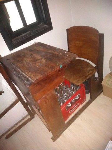 Carteira escolar antiga original madeira - Foto 2