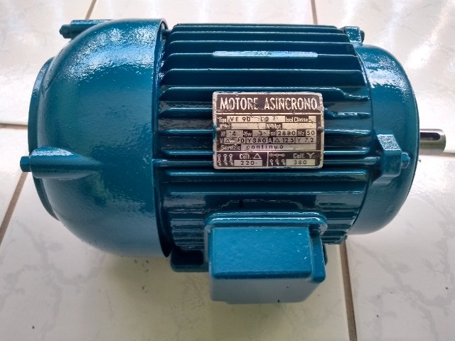 Motor Elétrico  Trifásico 4hp - 2880rpm usado - Foto 3