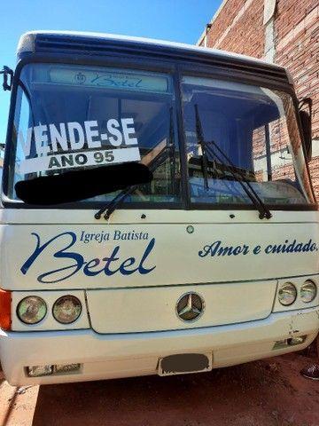Vende- se  ônibus MB O400