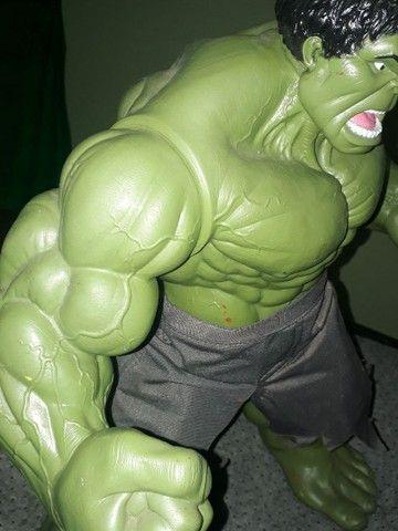 Boneco Hulk Verde versão 1945 Premium Gigante  - Foto 5