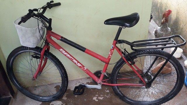 Bicicleta usada precisa de um reparos