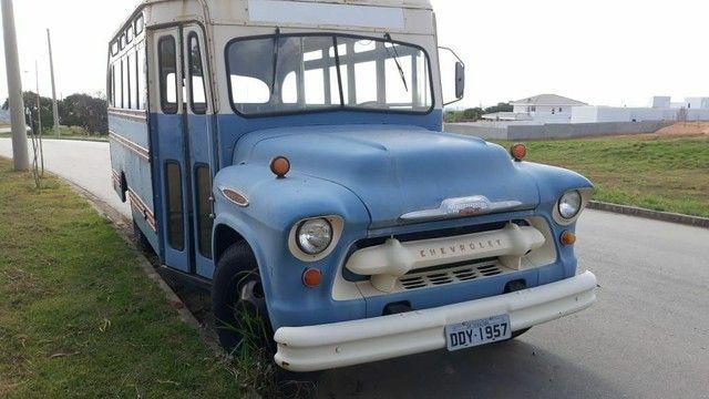 Ônibus antigo Jardineira Chevrolet 1957 - Foto 7