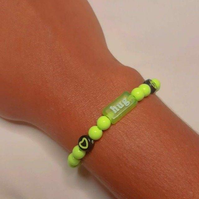 Pulseiras personalizadas para vender feitas a mão nosso instragam: ju_pulseiras  - Foto 2