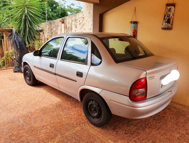 Corsa Sedan 1.0 2000/2001 - Foto 2