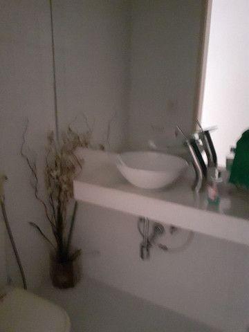 Lindo 2 qts com suite no melhor ponto da Barra da Tijuca - Foto 19